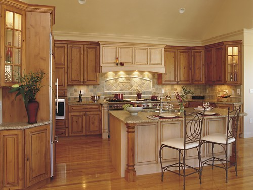 Kitchen design gallery kitchens designed by kitchen views for Small kitchen design ideas photo gallery