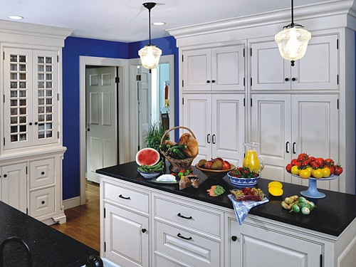 Blue traditional kitchen designed by the Kitchen Views design team.