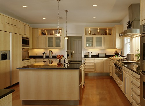 Kitchen with Irpinia cabinets designed by the Kitchen Views design team.
