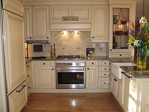 Perfect Bistro Kitchen Designed By The Kitchen Views Design Team.