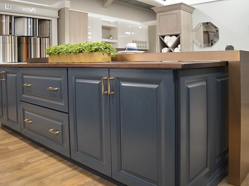 Tall view of bar in Cayhill kitchen display