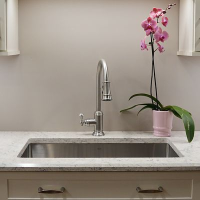 LG Viatera, color Aria, countertop in Pleasant Hill kitchen vignette in Newton, MA