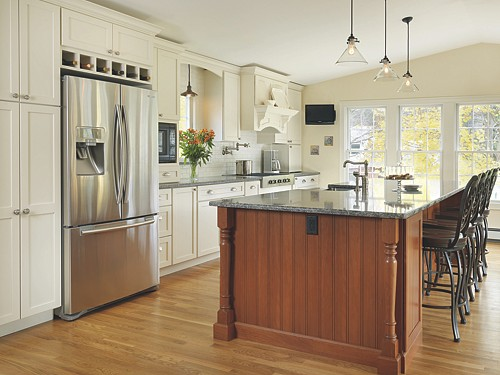 North Kingstown, Rhode Island kitchen designed by Lisa Zompa